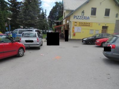Na Malé Skále se střetla dvě vozidla, policie hledá svědky