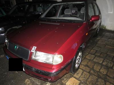 Z místa nehody v Tanvaldě řidička ujela, policisté ji brzy vypátrali