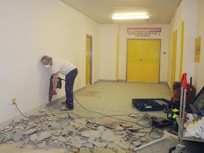 Rekonstrukce uzavřela jednu z chodeb v jablonecké nemocnici