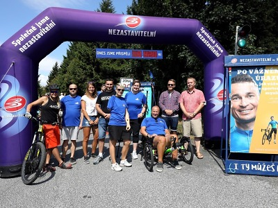 Průchodem bránou na Ještěd přispěli handicapovaným sportovcům