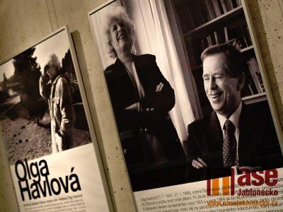 Obrazem: Olga Havlová - vernisáž výstavy v Eurocentru