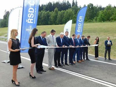 Obrazem: Nová silnice už oficiálně propojuje Liberec s Jabloncem