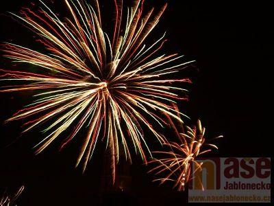 Obrazem: Ohňostroje nad Jabloncem