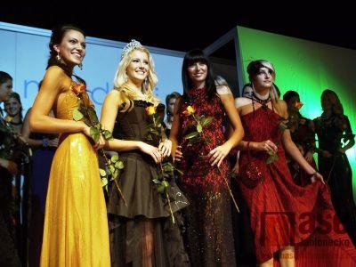 Obrazem: Česká Miss v Jablonci předvedla skvostnou bižuterii