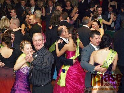 Obrazem: Maturitní ples Obchodní akademie 4.C