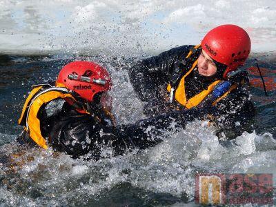 Obrazem: Záchranné akce na přehradě