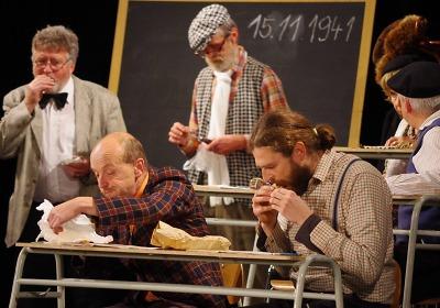 Komedii Pan Kaplan má třídu rád zahrají v Tanvaldě ochotníci z Vrchlabí