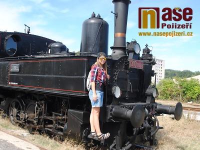 Parní vlak absolvoval první prázdninovou jízdu Českým rájem