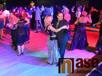 Výtěžek z 21. plesu města Jablonec dostane SeniA