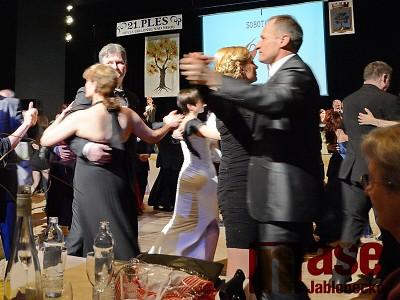 Výtěžek 25 tisíc z  plesu města Jablonec pro Floriánku