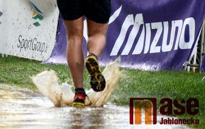 Rekordních sedm stovek běžců na přehradě