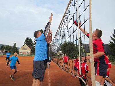 Policejní turnaj ve volejbale se hrál v areálu Maják v Jablonci