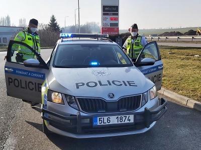 Policisté kontrolovali elektronické dálniční známky
