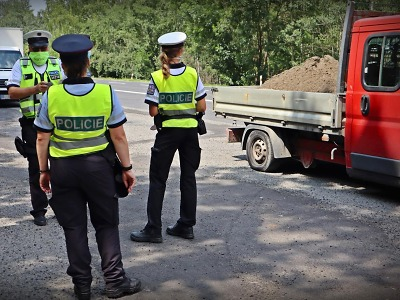Policisté se při kontrolách zaměřili na nákladní a autobusovou dopravu
