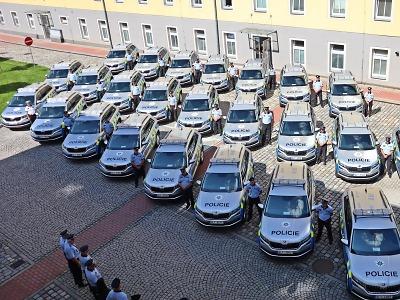Krajští policisté převzali nová služební vozidla