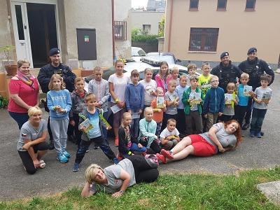 Za dětmi na příměstský tábor v Jablonci přijela prvosledová hlídka