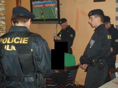 Policisté kontrolovali v Jablonci podávání alkoholu dětem