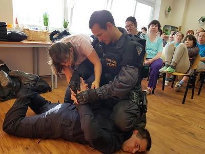 Policisté navštívili Domov a Centrum denních služeb v Jablonci