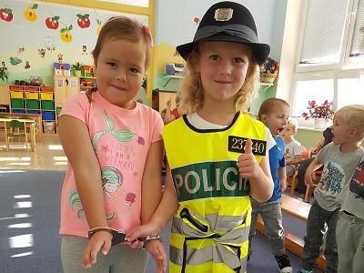 Policistka probrala s dětmi v Plavech nejen pravidla bezpečného chování