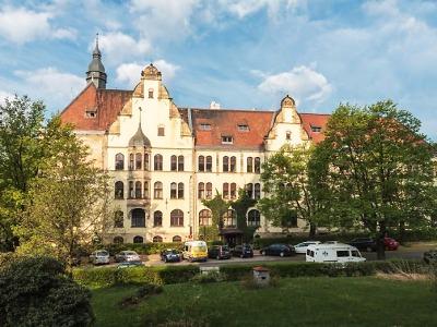 Budova na libereckém Zlatém kříži je klenot německé novorenesance