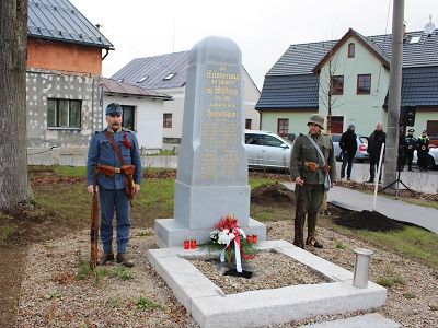 Památník v Lukášově byl odhalen jako splátka historického dluhu