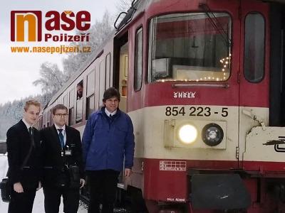 VIDEO: Poslední jízda rychlíku z Prahy do Harrachova