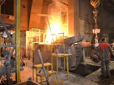 Hořela pec ve slévárně v Přepeřích, škoda se odhaduje na miliony