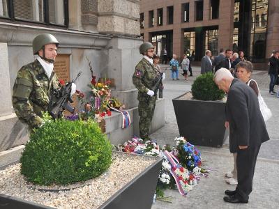 Představitelé kraje uctili památku obětí vstupu vojsk v roce 1968