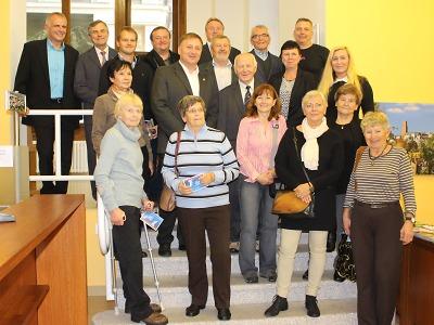 Primátor Beitl přijal před zahájením výstavy o Jizerské 50 pamětníky