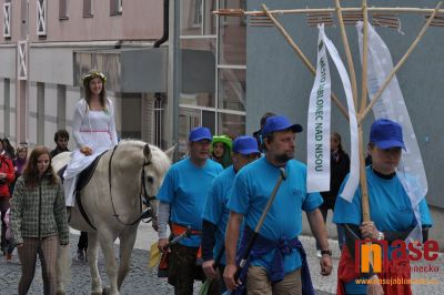 Obrazem: Víla Nisa předala v pátek Jablonečanům poselství