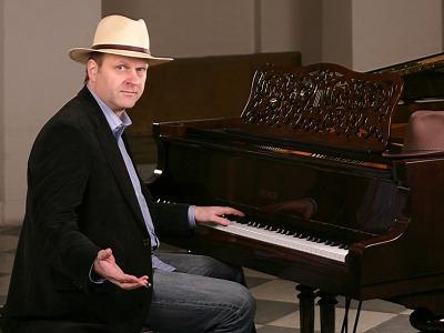Klavírní recitál Jakuba Zahradníka uslyšíte v jabloneckém kostele
