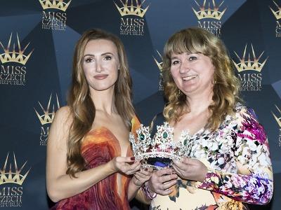 S finalistkami Miss Czech Republic představili korunku kněžny Libuše