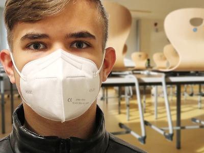 Od čtvrtka 25. února všude už jen s respirátory FFP2