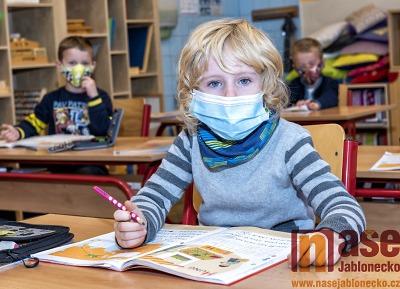 Od úterý 15. června se ruší roušky ve školách už i v Libereckém kraji