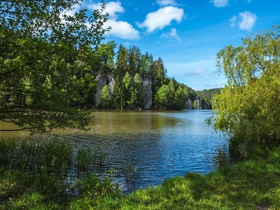 Rybníky v Podtroseckém údolí se jmenují Nebák, Krčák, Věžák a Vidlák