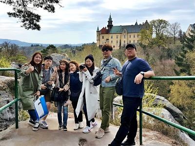 Český ráj láká zahraniční návštěvníky, přijeli i korejští blogeři
