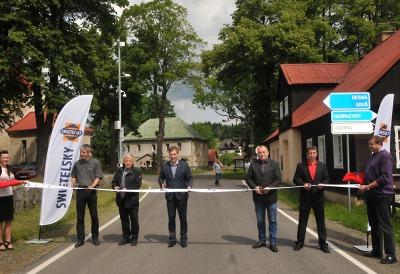 Z Horního Polubného do Kořenova se už jezdí po nové silnici