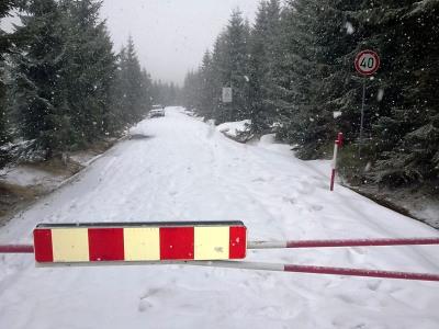 Kolem Souše se zatím nedá projet, možná silnici otevřou na konci dubna