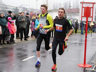 Čivrný porazil až ve finiši Silvestrovského běhu v Turnově Berku
