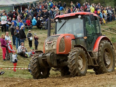 Na 17. sjezdu traktorů v Bozkově se utkalo 40 jezdců