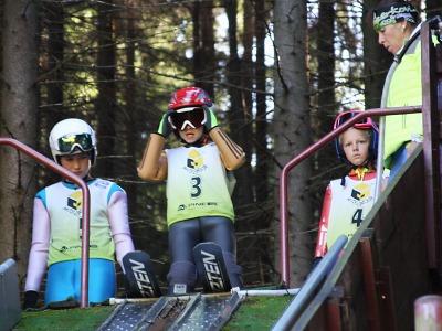 V Desné pořádali šampionát mládeže ve skocích a severské kombinaci
