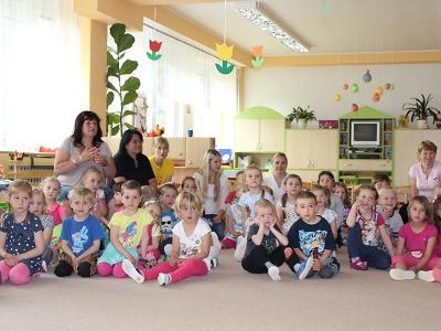 Na školné může dítě dostat až 1500 korun měsíčně