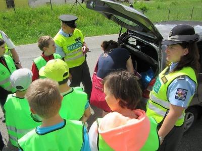 Na Smržovce působily společné hlídky mládeže a Policie ČR