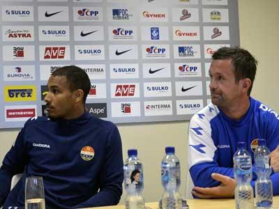 VIDEO: Tiskové konference trenérů před startem v Evropské lize