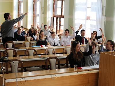 Středoškoláci řídili Jablonec