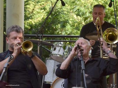 The Dixieland Messengers zahrál v jabloneckém Tyršově parku