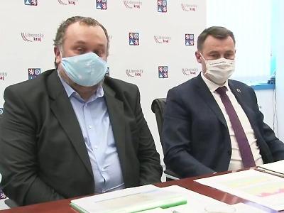 Čísla koronaviru v kraji i Česku stagnují, očkování nenabralo rychlost
