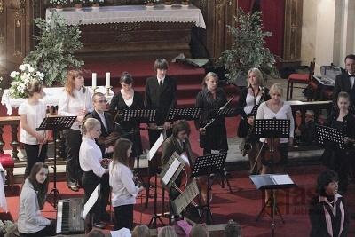 Koncert ZUŠ v kostele sv.Václava v Rychnově n.N.
