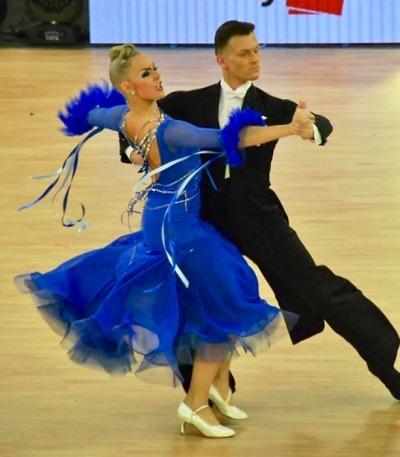 Tanečníci z Liberce obstáli na šampionátu ve standardních tancích