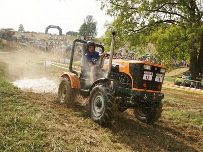 Fanoušci si v Bozkově naplno užili 15. ročník sjezdu traktorů